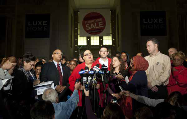 Chicago Teachers Union President Karen Lewis, centre, tells reporters at a news conference outside the union&#39;s headquarters that the city&#39;s 25,000 public school teachers will walk the picket line Monday morning after final-day talks with the Chicago Board of Education failed to reach an agreement over teachers&#39; contracts on Sunday, Sept. 9, 2012 in Chicago. &#40;AP Photo&#47;Sitthixay Ditthavong&#41; <span class=meta>(AP Photo&#47; Sitthixay Ditthavong)</span>