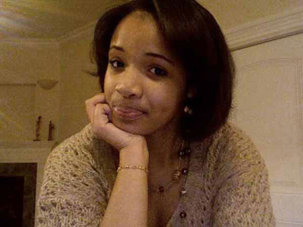 "<div class=""meta ""><span class=""caption-text "">This undated family photo provided by Damon Stewart shows 15-year-old Hadiya Pendleton of Chicago. Pendleton was shot and killed Tuesday, Jan. 29, 2013, in a Chicago park as she talked with friends by a gunman who apparently was not even aiming at her. Pendleton, who had performed in President Barack Obama's inauguration festivities, is the latest face on the ever-increasing homicide toll in the president's hometown. (AP Photo/Courtesy of Damon Stewart) (AP Photo/ Uncredited)</span></div>"