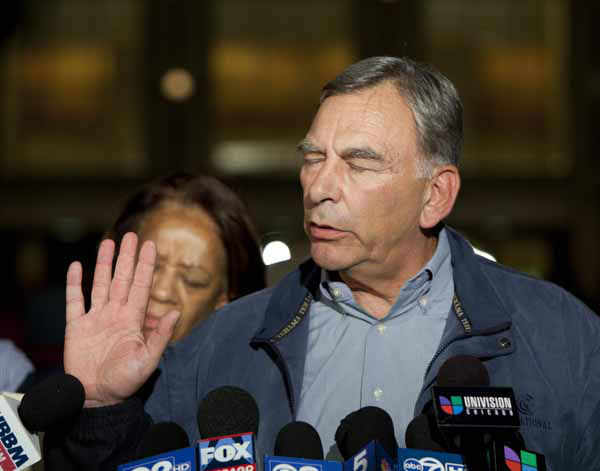 "<div class=""meta image-caption""><div class=""origin-logo origin-image ""><span></span></div><span class=""caption-text"">Chicago Board of Education President David Vitale struggles with a barrage of questions from reporters at a news conference outside the Chicago Teachers Union Headquarters, where he said that final-day talks with the union failed to reach an agreement over teachers' contracts on Sunday, Sept. 9, 2012 in Chicago. CTU President Karen Lewis subsequently announced that the city's 25,000 public school teachers will walk the picket line Monday morning for the first time in 25 years. (AP Photo/Sitthixay Ditthavong) (AP Photo/ Sitthixay Ditthavong)</span></div>"