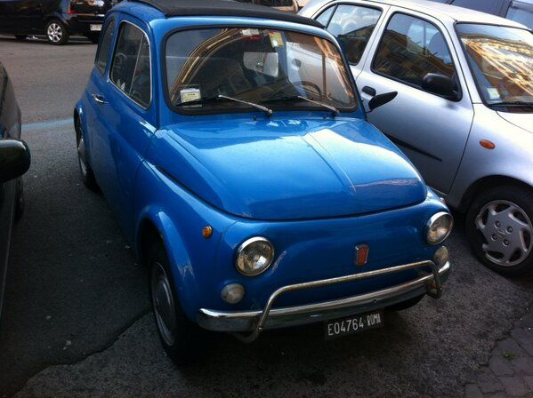 Photo by Alan Krashesky (@KrasheskyABC7): Maybe I could fit one of these in my pocket when leaving #Rome! #Fiat500