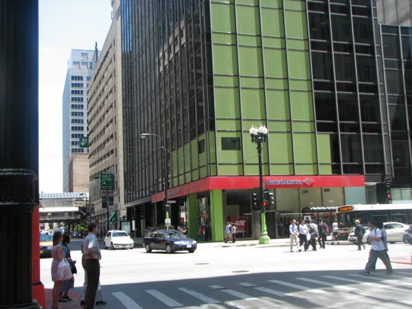 One of the buildings at the Loop&#39;s Color Jam intersection covered in green vinyl. Photo taken May 29, 2012 &#40;ABC7Chicago.com&#47; Evan Peterson&#41; <span class=meta>(ABC7Chicago.com&#47; Evan Peterson)</span>