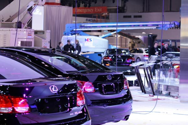 "<div class=""meta ""><span class=""caption-text "">Crews worked to set up the 2011 Chicago Auto Show at McCormick Place before it opened to the media Wednesday, Feb. 9.</span></div>"