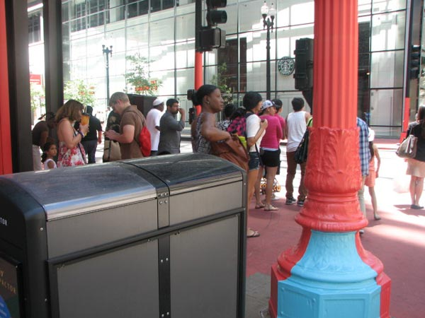 Red and blue pole at the Color Jam intersection on May 29, 2012  &#40;ABC7Chicago.com&#47; Evan Peterson&#41; <span class=meta>(ABC7Chicago.com&#47; Evan Peterson)</span>