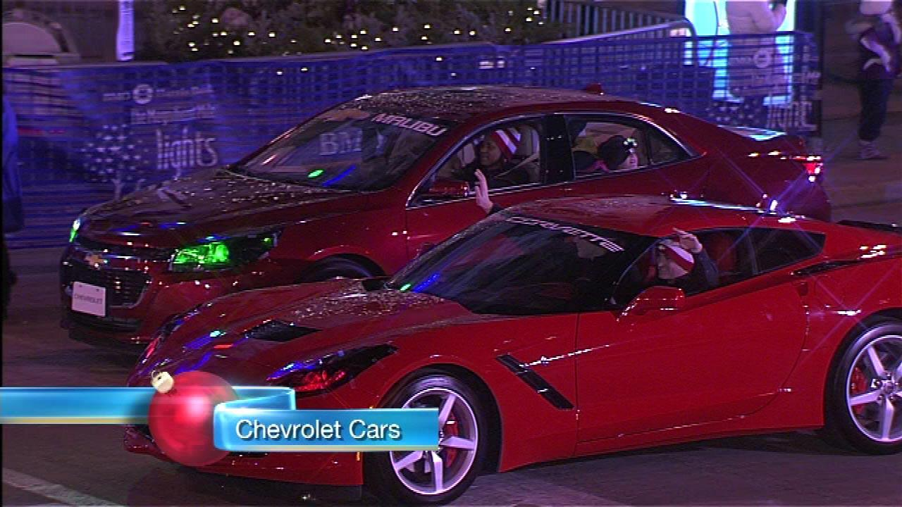 ABC 7 Chicago kicked off the holiday season nationwide with the 2013 Magnificent Mile Lights Festival, presented by BMO Harris Bank.