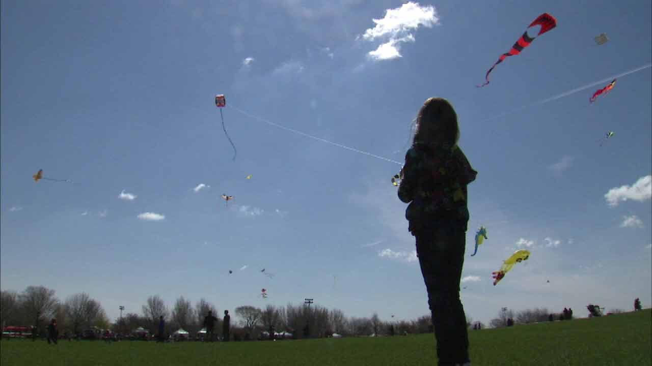 It was perfect kite-flying weather Saturday as hundreds of families took part in the 16th annual Chicago Kids and Kites Festival.