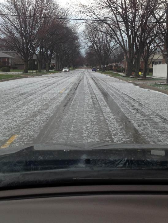 "<div class=""meta image-caption""><div class=""origin-logo origin-image ""><span></span></div><span class=""caption-text"">Hail photograph by viewer from Westchester, Illinois. Photos from ABC7 viewers submitted to useeit@abc7chicago.com.</span></div>"