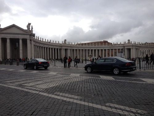 Photo by ABC7 producer Ross Weidner (@RossWeidner):  These dark blue sedans zoom Vatican VIPs around Rome