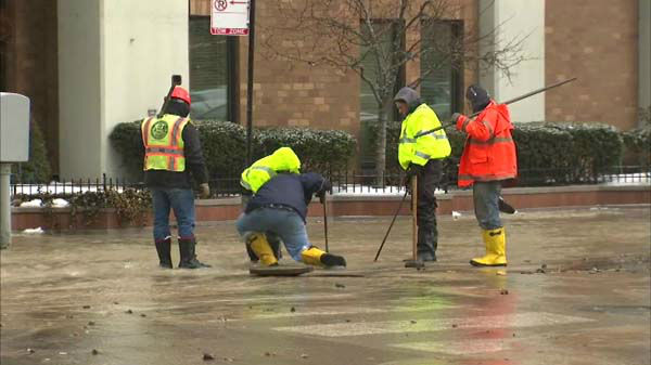 A water main break at McClurg Court between Ontario and Ohio streets hampered the flow of traffic in Streeterville. Cars are re-routed through the area as crews attempt to fix the leak.  <span class=meta>(WLS Photo)</span>