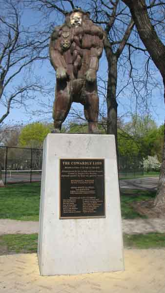 "<div class=""meta image-caption""><div class=""origin-logo origin-image ""><span></span></div><span class=""caption-text"">The Cowardly Lion is made out of bronze and was added in June of 2001. This sculpture is located at 2021 N. Burling St. (Joanna Wesoly/ABC 7 Chicago)</span></div>"