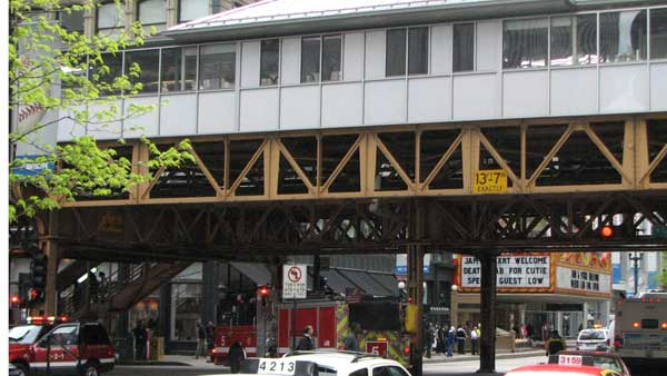 Smoke was reported on the Red Line stop at State and Lake. No fire was reported and trains were rerouted until stations were cleared on Monday, April 16, 2012. <span class=meta>(ABC 7 Chicago&#47;Joanna Wesoly)</span>