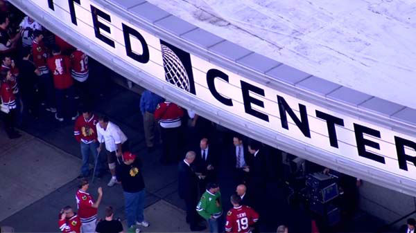 "<div class=""meta image-caption""><div class=""origin-logo origin-image ""><span></span></div><span class=""caption-text"">The 2013 Stanley Cup Champion Blackhawks were greeted by fans as they arrived for the season opener at Chicago's United Center on Tuesday, October 1, 2013.  (WLS Photo)</span></div>"