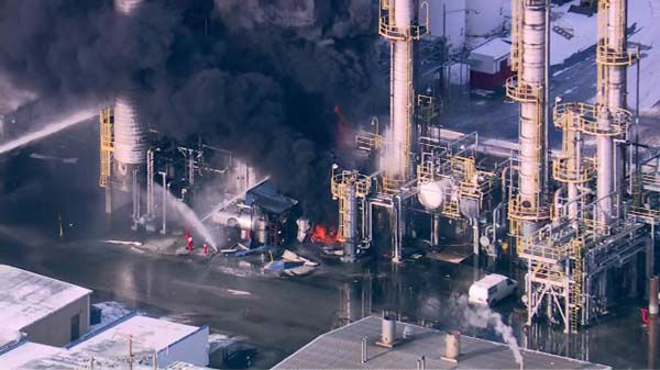 "<div class=""meta ""><span class=""caption-text "">Flames and heavy smoke shot out of an Alsip refinery after an explosion was reported at the facility in the south suburb.</span></div>"