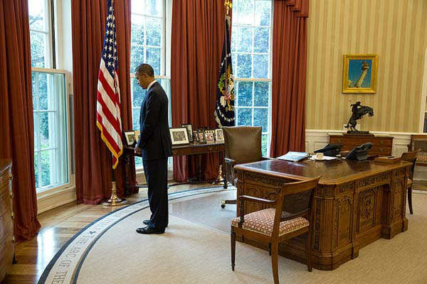 April 22, 2013: The President pauses for a moment of silence in honor of the victims of the Boston Marathon bombings.   <span class=meta>(Official White House Photo by Pete Souza)</span>