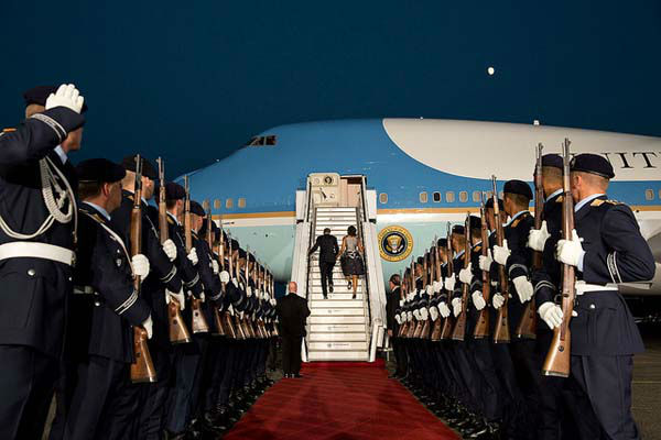 June 19, 2013 A beautiful evening just after sunset as the President and First Lady boarded Air Force One at Tegel Airport prior to departing Berlin, Germany.   <span class=meta>(Official White House Photo by Pete Souza)</span>