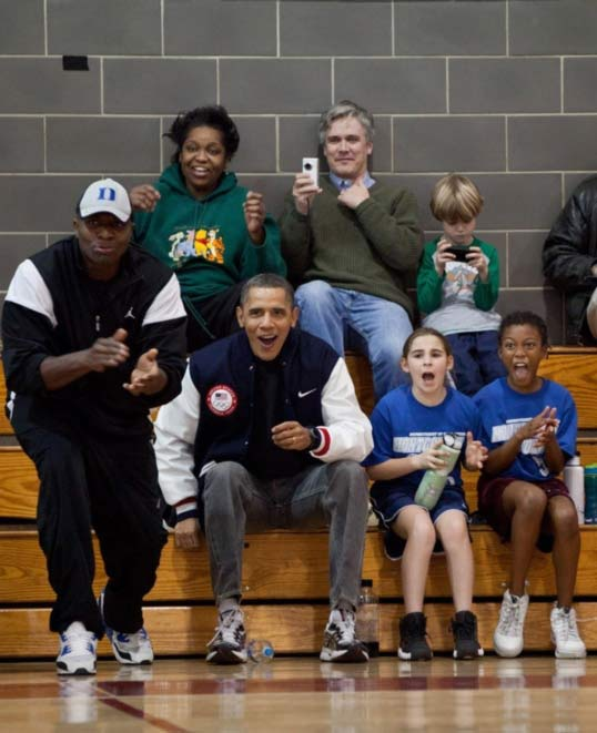 Barack knows his basketball ? and he makes a great coach for our daughters. ?mo <span class=meta>(Pinterest)</span>
