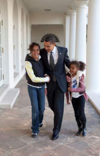 With everything that he has on his plate, Barack always makes time for our daughters.  ?mo <span class=meta>(Pinterest)</span>
