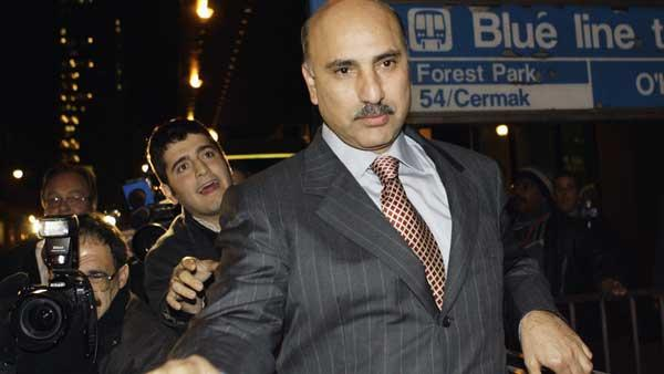 Rezko leaves the federal building in Chicago, Oct. 19, 2006, after his arraignment.  (AP Photo/Nam Y. Huh)