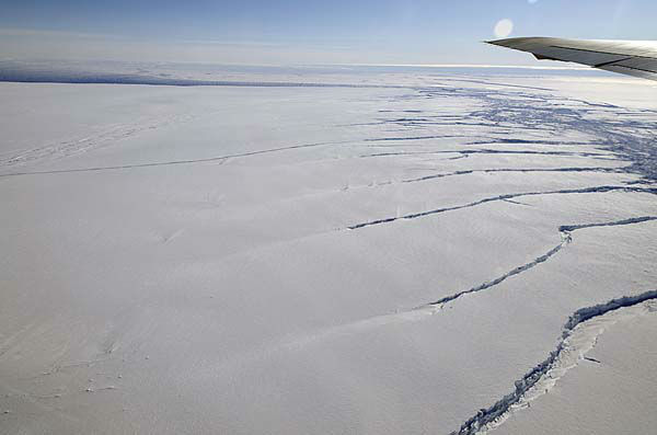 Crack in the Pine Island Glacier ice shelf seen NASA&#39;s DC-8 flew over the Pine Island Glacier Ice Shelf on Oct. 14, 2011 as part of the agency&#39;s Operation IceBridge. <span class=meta>(NASA &#47; Michael Studinger)</span>