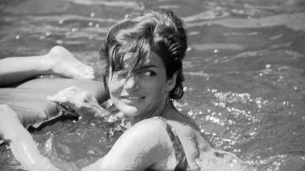 Mrs. Jacqueline Kennedy swimming in the Mediterranean off Ravello, Italy on August 9, 1962, as she went on the first beach outing of her Italian vacation. (AP Photo/Girolamo Di Majo)
