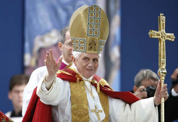 Benedict XVI blesses the faithful as he celebrates a Marian vesper ceremony in Etzelsbach, eastern Germany, Friday, Sept. 23, 2011. Pope Benedict XVI is on a four-day official visit to his homeland Germany. &#40;AP Photo&#47;Andrew Medichini, pool&#41; <span class=meta>(AP Photo&#47; Andrew Medichini)</span>