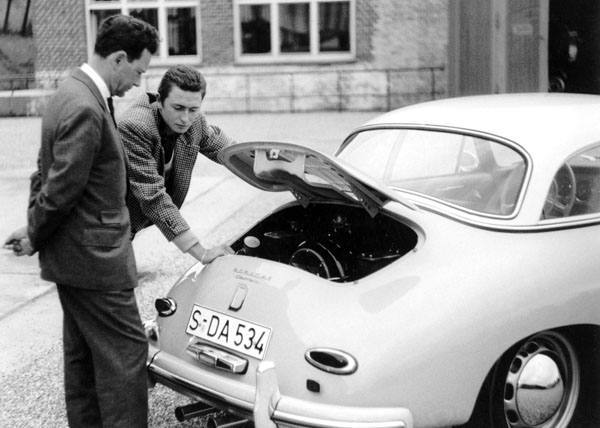 The creator of the Porsche 911, Ferdinand Alexander Porsche, grandson of the automaker&#39;s founder, is dead at age 76. <span class=meta>(AP Photo&#47; Porsche AG)</span>