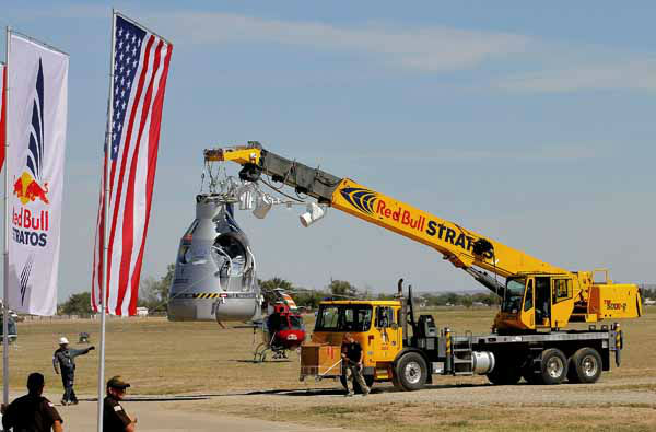 The ascension capsule is moved behind Mission Control after Felix Baumgartner&#39;s 23-mile-high jump was aborted, Tuesday, Oct. 9, 2012, in Roswell, NM. Baumgartner was attempting to break the speed of sound with his own body by jumping from the capsule lifted by a 30 million cubic foot helium balloon. &#40;AP Photo&#47;Matt York&#41; <span class=meta>(AP Photo&#47; Matt York)</span>