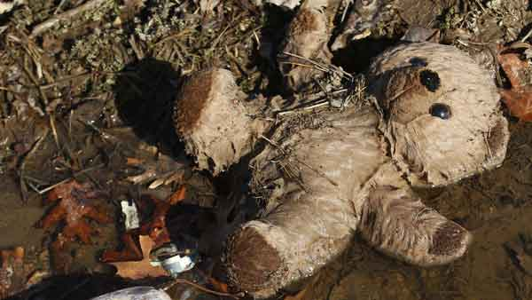 "<div class=""meta ""><span class=""caption-text "">A stuffed toy lies in a ditch the morning after severe storms destroyed several homes and businesses in Harveyville, Kan., Wednesday, Feb. 29, 2012.  (AP)</span></div>"