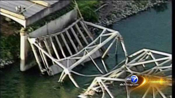 "<div class=""meta ""><span class=""caption-text "">Washington Bridge Collapse on I-5 (WLS Photo)</span></div>"