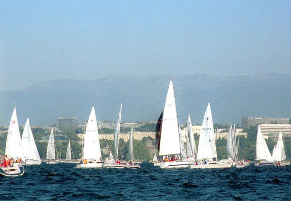 5. Geneva, Switzerland: On a sunny day, June 15, 2000, sailing boats on the lake of Geneva ornate the skyline of Geneva, the United Nations and World Trade Organization buildings. &#40;AP Photo&#47; Beatrix Stampfli&#41; <span class=meta>(AP Photo&#47; BEATRIX STAMPFLI)</span>