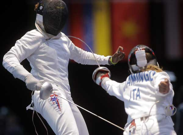 Italy&#39;s Rossella Fiamingo faces USA&#39;s Maya Lawrence in a women&#39;s individual epee fencing round of 16 match at the 2012 Summer Olympics, Monday, July 30, 2012, in London. <span class=meta>(AP Photo&#47;Dmitry Lovetsky)</span>