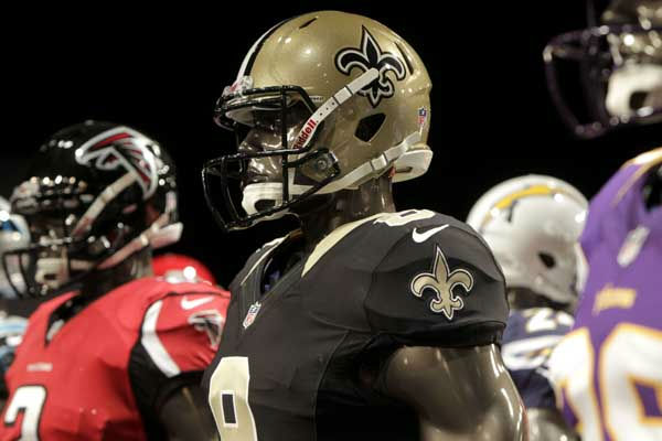 "<div class=""meta ""><span class=""caption-text "">The new New Orleans Saints' uniform is displayed on a mannequin during a presentation in New York, Tuesday, April 3, 2012.  The NFL and Nike showed off the new look in grand style with a gridiron-styled fashion show at a Brooklyn film studio. (AP Photo/Seth Wenig) (AP Photo/ Seth Wenig)</span></div>"