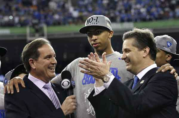 Kentucky head coach John Calipari, right, and forward Anthony Davis, center, talk with CBS announcer jim Nantz after the NCAA Final Four tournament college basketball championship game Monday, April 2, 2012, in New Orleans. Kentucky beat Kansas 67-59. &#40;AP Photo&#47;David J. Phillip&#41; <span class=meta>(AP Photo&#47; David J. Phillip)</span>