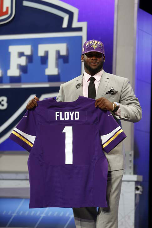 "<div class=""meta image-caption""><div class=""origin-logo origin-image ""><span></span></div><span class=""caption-text"">Sharrif Floyd, from Florida, holds up a team jersey after being selected 23rd overall by the Minnesota Vikings in the first round of the NFL football draft, Thursday, April 25, 2013, at Radio City Music Hall in New York. (AP Photo/Jason DeCrow) (AP Photo/ Jason DeCrow)</span></div>"