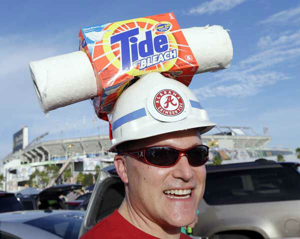 "<div class=""meta ""><span class=""caption-text "">Brian Dawes of Decatur, Ala., makes his way to Sun Life Stadium before the BCS National Championship college football game between the Alabama and the Notre Dame Monday, Jan. 7, 2013, in Miami. (AP Photo/Chris O'Meara) (AP Photo/ Chris O'Meara)</span></div>"