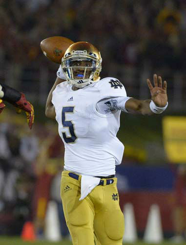 Notre Dame quarterback Everett Golson passes during the second half of their NCAA college football game against Southern California, Saturday, Nov. 24, 2012, in Los Angeles. &#40;AP Photo&#47;Mark J. Terrill&#41; <span class=meta>(AP Photo&#47; Mark J. Terrill)</span>
