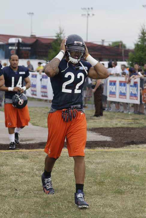 Chicago Bears running back Matt Forte walks to the field during NFL football training camp at Olivet Nazarene University in Bourbonnais, Ill., Thursday, July 26, 2012. &#40;AP Photo&#47;Nam Y. Huh&#41; <span class=meta>(AP Photo&#47; Nam Y. Huh)</span>