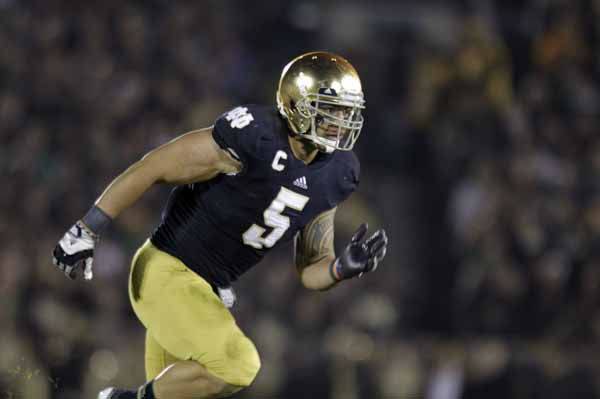 Notre Dame linebacker Manti Te&#39;o  during the second half of an NCAA college football game against Wake Forest in South Bend, Ind., Saturday, Nov. 17, 2012. Notre Dame defeated Wake Forest 38-0. &#40;AP Photo&#47;Michael Conroy&#41; <span class=meta>(AP Photo&#47; Michael Conroy)</span>