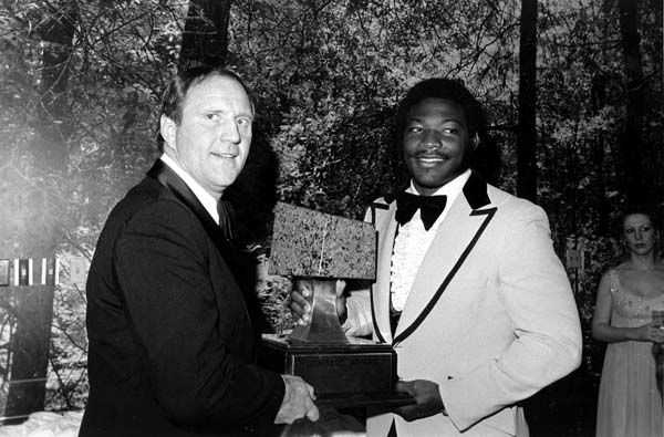 Leroy Selmon, right, the defensive tackle from Oklahoma, is named winner of the Vince Lombardi Award at the benefit dinner in Houston, Texas, Jan. 23, 1976.  Jack Pardee, first year coach of the Chicago Bears, left, is the featured speaker at the ceremony and will present the award.  Proceeds from the dinner will go to the American Cancer Society for research.  &#40;AP Photo&#41; <span class=meta>(AP Photo&#47; XNBG)</span>