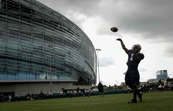 Navy quarterback Trey Miller during a training session at the  Aviva Stadium, Dublin, Ireland, Thursday, Aug. 30, 2012.  American college football team Notre Dame play the Navy team on Saturday in Dublin.  &#40;AP Photo&#47;Peter Morrison&#41; <span class=meta>(AP Photo&#47; Peter Morrison)</span>
