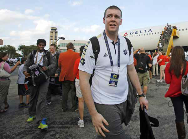 Notre Dame offensive lineman Matt Tansey arrives in Fort Lauderdale, Fla., Wednesday, Jan. 2, 2013. Notre Dame is scheduled to play Alabama in the BCS national championship NCAA college football game next Monday in Miami. &#40;AP Photo&#47;Alan Diaz&#41; <span class=meta>(AP)</span>