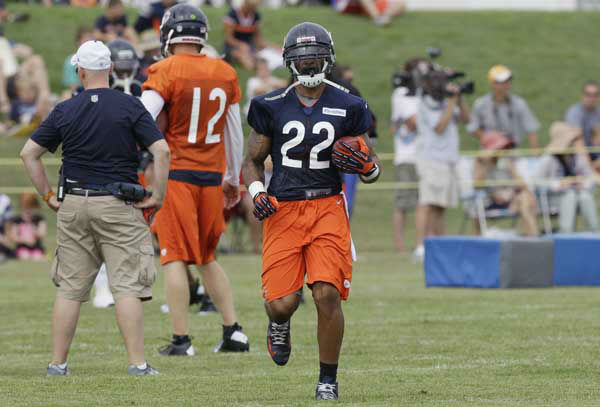 Chicago Bears running back Matt Forte &#40;22&#41; runs with a ball during NFL football training camp at Olivet Nazarene University in Bourbonnais, Ill., Thursday, July 26, 2012. &#40;AP Photo&#47;Nam Y. Huh&#41; <span class=meta>(AP Photo&#47; Nam Y. Huh)</span>