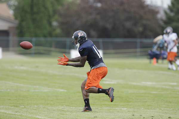 Chicago Bears wide receiver Devin Thomas &#40;11&#41; catches a ball during NFL football training camp at Olivet Nazarene University in Bourbonnais, Ill., Thursday, July 26, 2012. &#40;AP Photo&#47;Nam Y. Huh&#41; <span class=meta>(Photo&#47;Nam Y. Huh)</span>