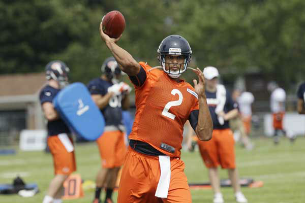 Chicago Bears quarterback Jason Campbell &#40;2&#41; throws during NFL football training camp at Olivet Nazarene University in Bourbonnais, Ill., Thursday, July 26, 2012. &#40;AP Photo&#47;Nam Y. Huh&#41; <span class=meta>(AP Photo&#47; Nam Y. Huh)</span>