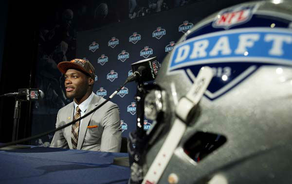 "<div class=""meta image-caption""><div class=""origin-logo origin-image ""><span></span></div><span class=""caption-text"">Barkevious Mingo, of Louisiana State, speaks during a news conference after being selected sixth overall by the Cleveland Browns during the first round of the NFL football draft, Thursday, April 25, 2013, at Radio City Music Hall in New York. (AP Photo/Craig Ruttle) (AP Photo/ Craig Ruttle)</span></div>"