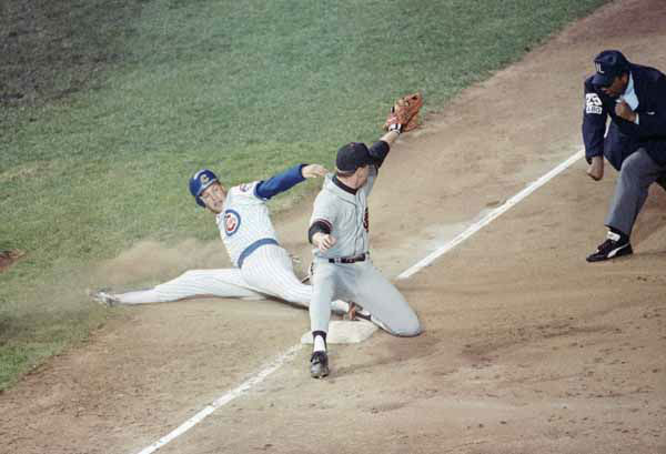 "<div class=""meta ""><span class=""caption-text "">Chicago Cubs Mark Grace, left, is out at third as San Francisco Giants third baseman Matt Williams, center, takes the throw during first inning action in the NL playoffs, Thursday, Oct. 5, 1989, Chicago, Ill. The umpire is unidentified. (AP Photo/Charles Bennett) (AP Photo/ Charles Bennett)</span></div>"
