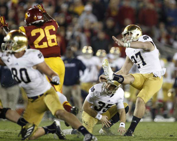 Notre Dame&#39;s Kyle Brindza &#40;27&#41; makes his a field goal against Southern California during the second half of an NCAA college football game, Saturday, Nov. 24, 2012, in Los Angeles. Notre Dame won 22-13. &#40;AP Photo&#47;Danny Moloshok&#41; <span class=meta>(AP Photo&#47; Danny Moloshok)</span>