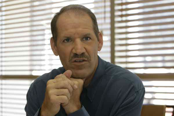 Former Pittsburgh Steelers football coach Bill Cowher speaks to a reporter Tuesday Sept. 4, 2007 in Los Angeles.    &#40;AP Photo&#47;Nick Ut&#41; <span class=meta>(AP Photo&#47; Nick Ut)</span>