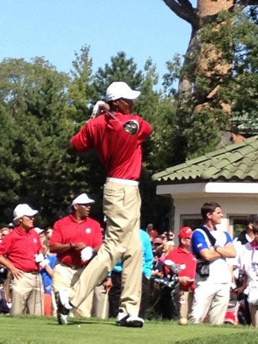 Scottie Pippen tees off at celebrity golf tournament at Ryder Cup. Via @RaferWeigel