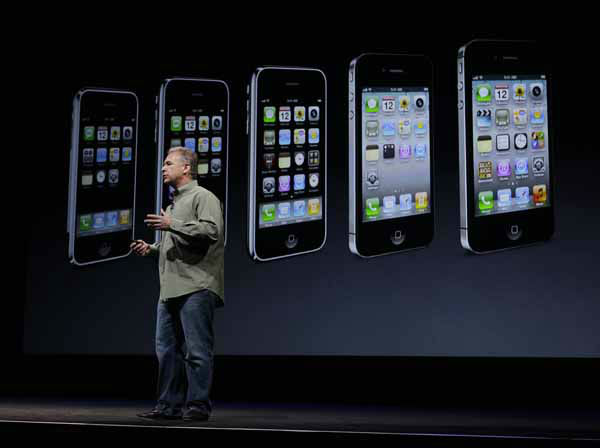Phil Schiller, Apple&#39;s senior vice president of worldwide marketing, speaks on stage during an introduction of the new iPhone 5 at an Apple event in San Francisco, Wednesday Sept. 12, 2012. &#40;AP Photo&#47;Eric Risberg&#41; <span class=meta>(AP Photo&#47; Eric Risberg)</span>