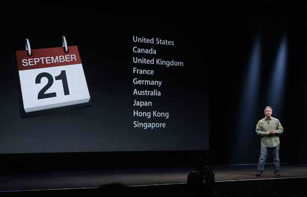Phil Schiller, Apple&#39;s senior vice president of worldwide marketing, gives release dates of the iPhone 5 during an Apple event in San Francisco, Wednesday, Sept. 12, 2012. &#40;AP Photo&#47;Jeff Chiu&#41; <span class=meta>(AP Photo&#47; Jeff Chiu)</span>
